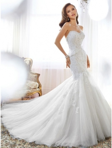 Sweetheart Chapel Train Mermaid Wedding Dress With Strapless Beading Appliques